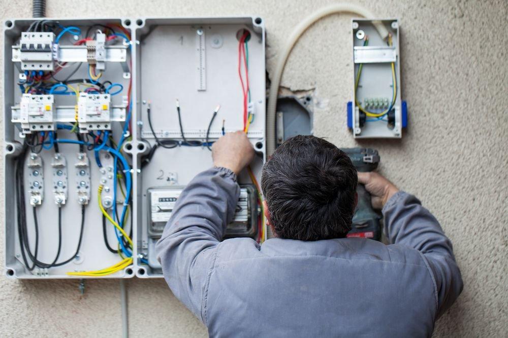 Como fazer a manutenção de uma cerca elétrica?